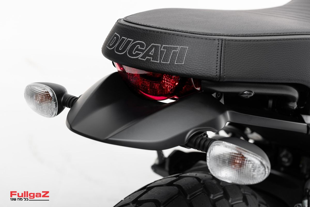 Ducati-Scrambler-Dark-008