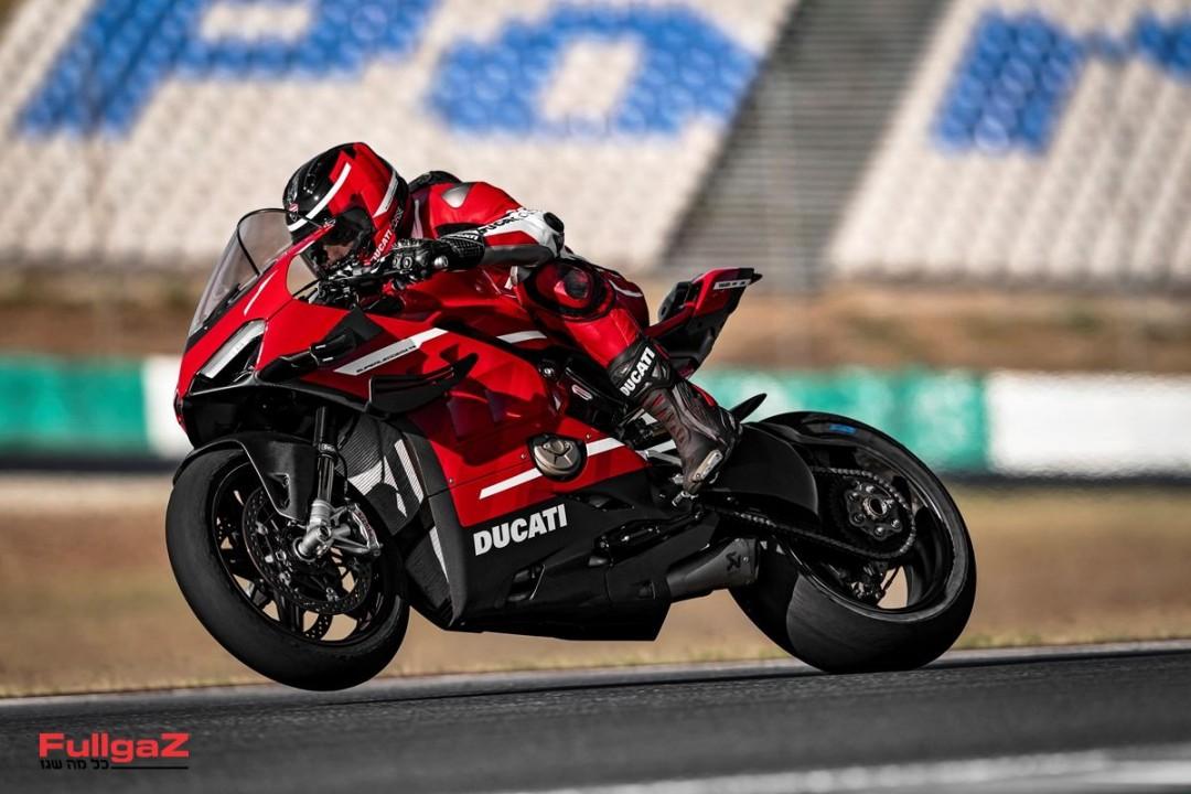 Ducati-Superlegera-V4-001
