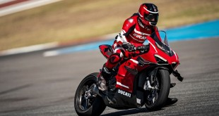 Ducati-Superlegera-V4-003