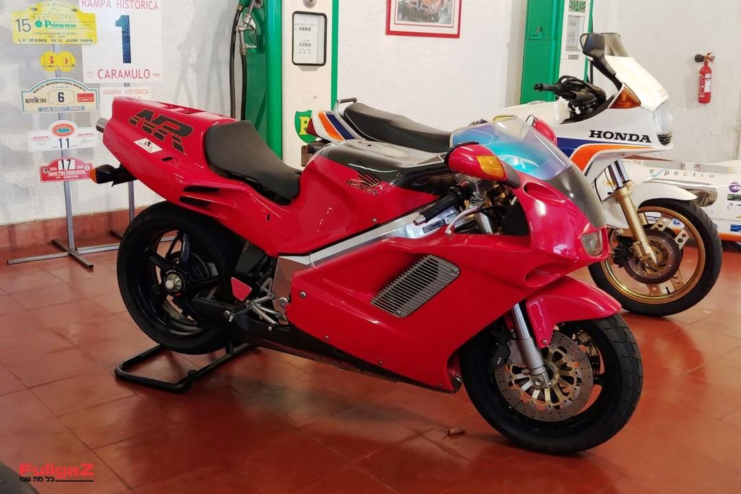 Honda-NR750-002
