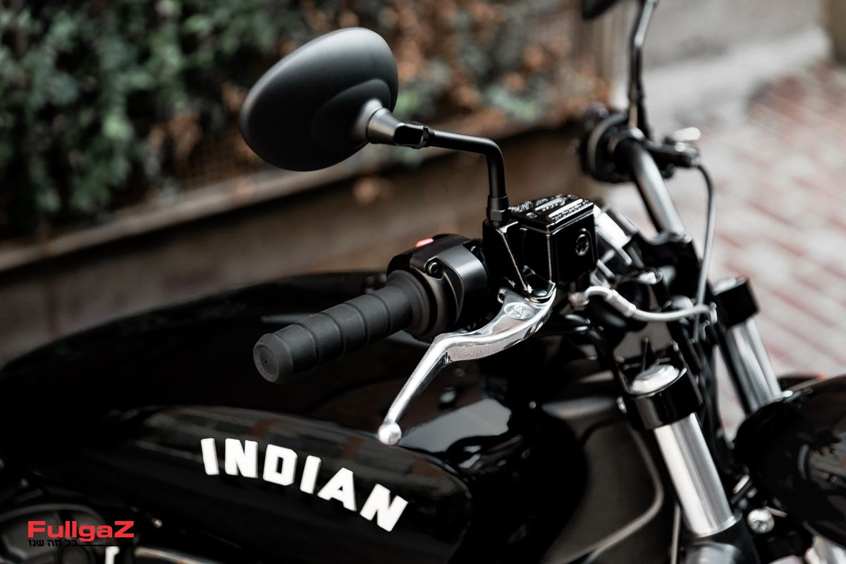 Indian-Scout-Sixty-Bobber-005