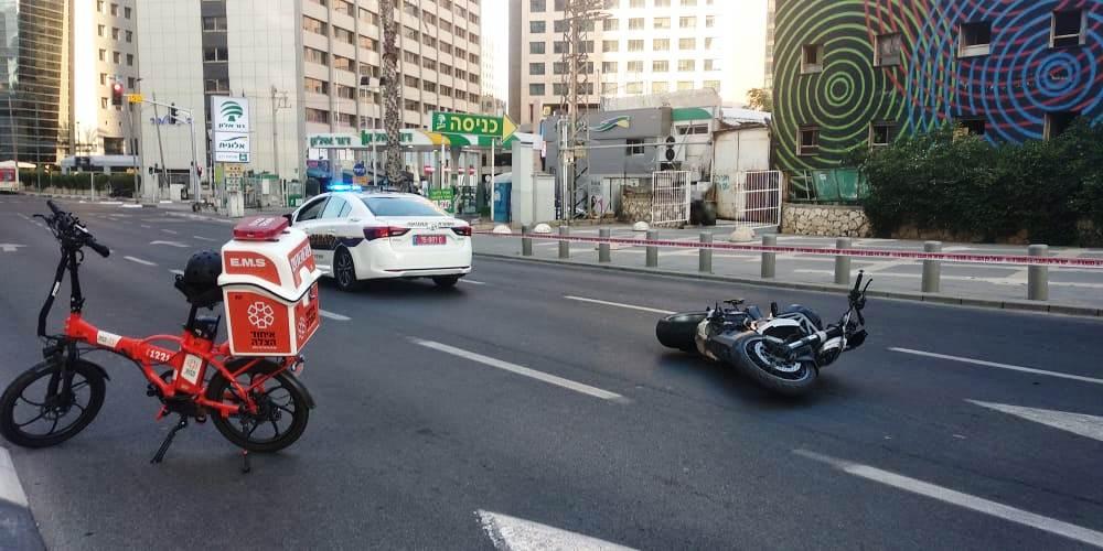 זירת התאונה שבה נהרג הרוכב ברמת-גן