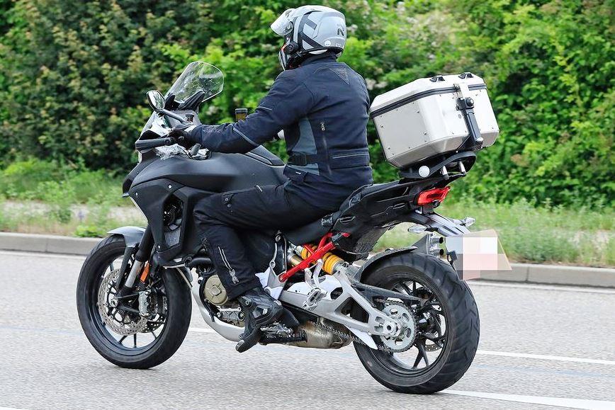 Ducati-Multistrada-V4-Spy (2)