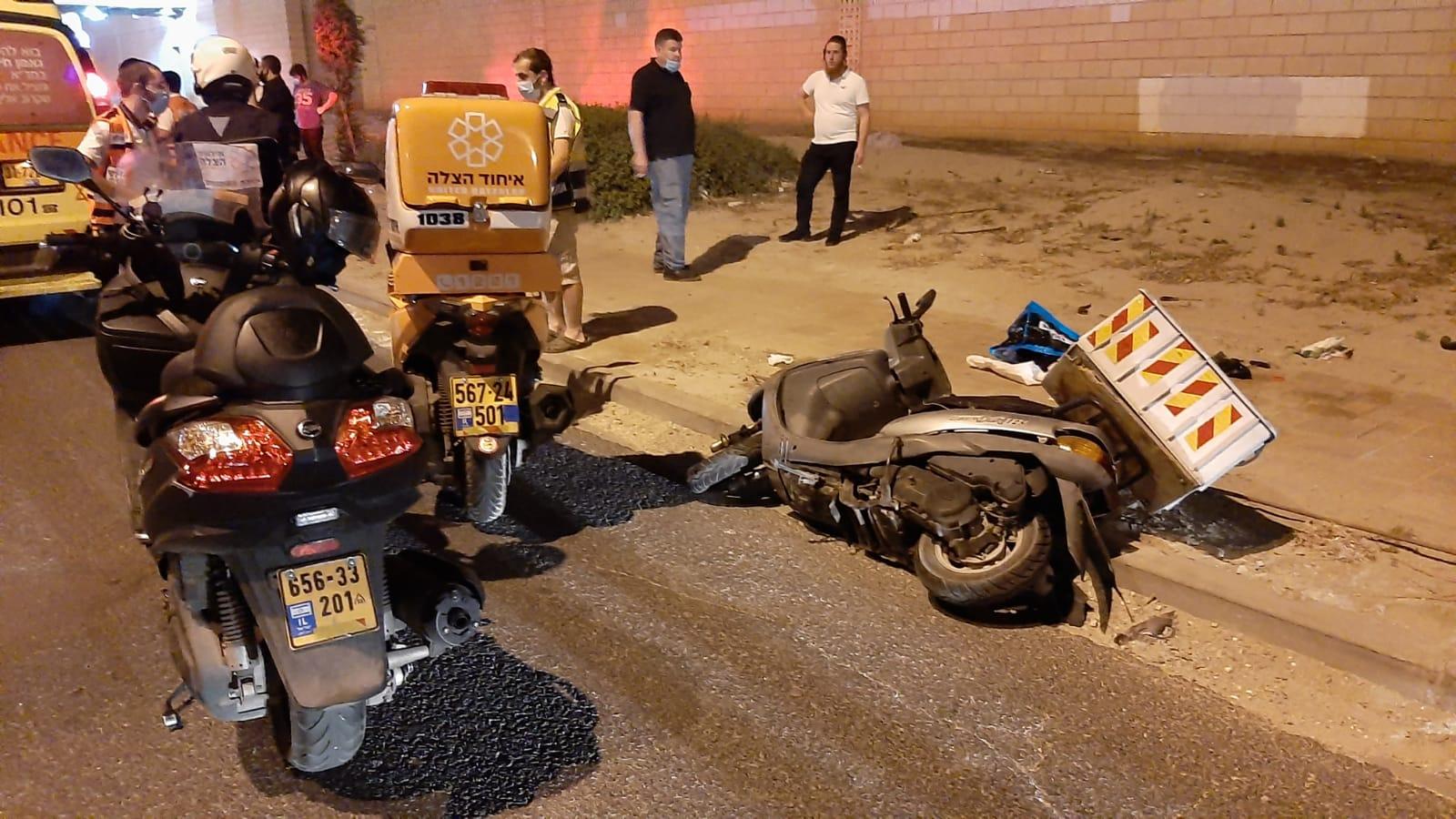 זירת התאונה ברחוב הרב שפירא בבני-ברק שבה נהרג הרוכב בן ה-30