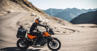 KTM-890-Adventure-002