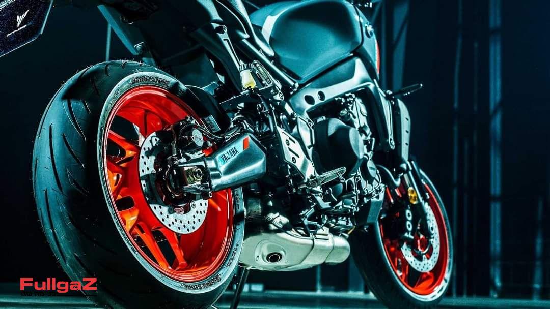 Yamaha-mt-09-2021-leak-pics-011