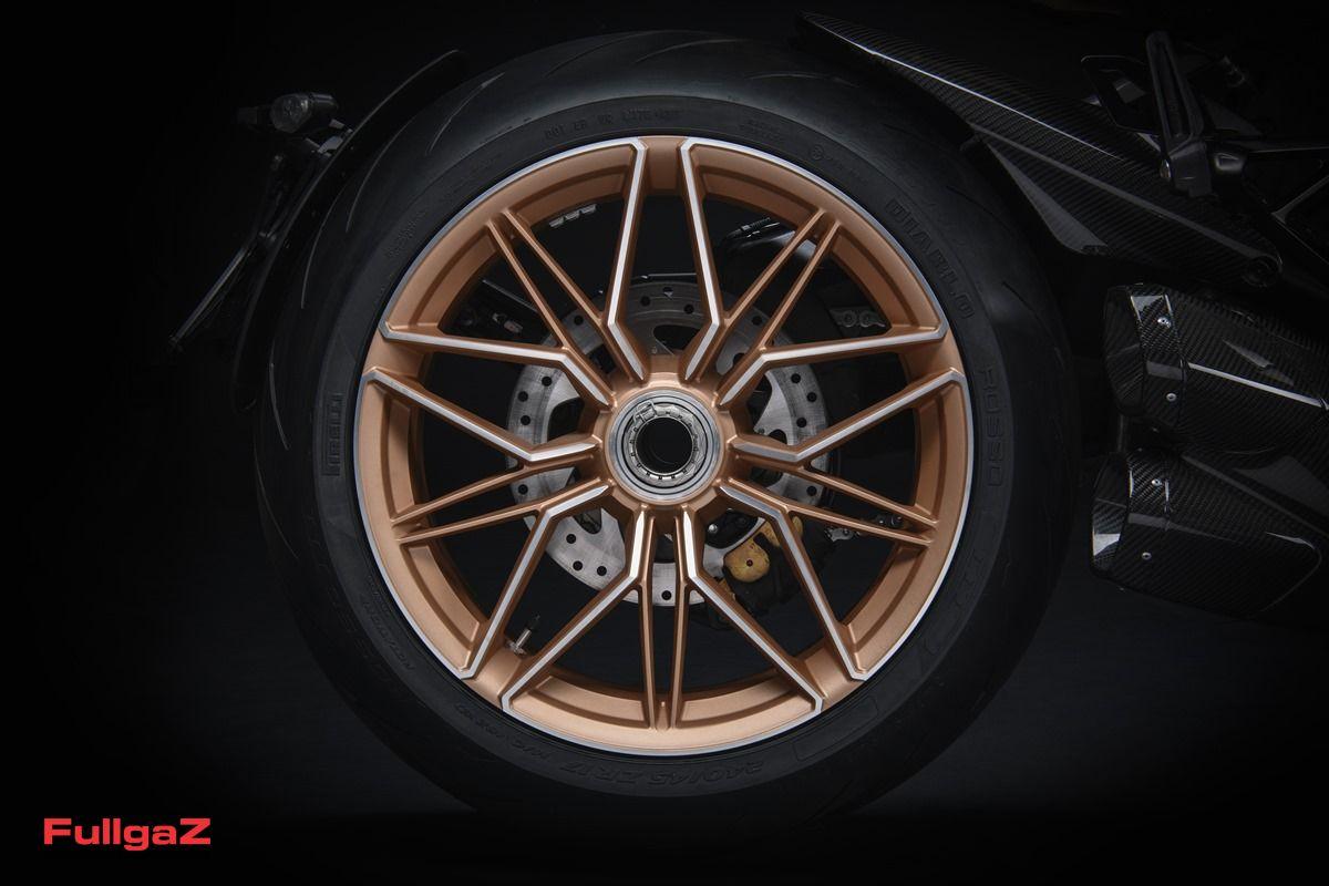Ducati-Diavel-1260S-Lamborghini-004