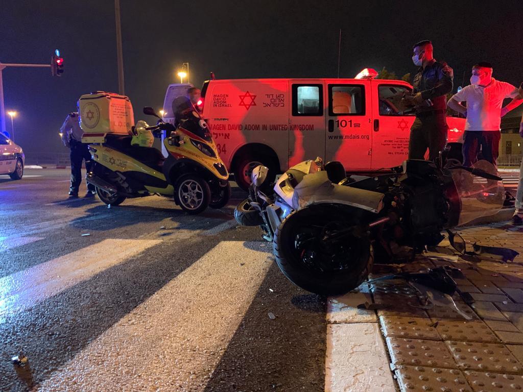 זירת התאונה שבה נהרג הרוכב בן ה-45 בכביש 432 / 42