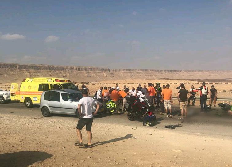 """זירת התאונה שבה נהרג הרוכב בן ה-28 (צילום: תיעוד מבצעי מד""""א)"""