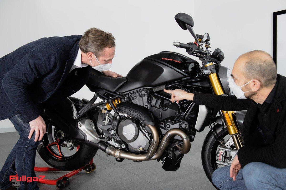 Ducati-Monster-350000-001
