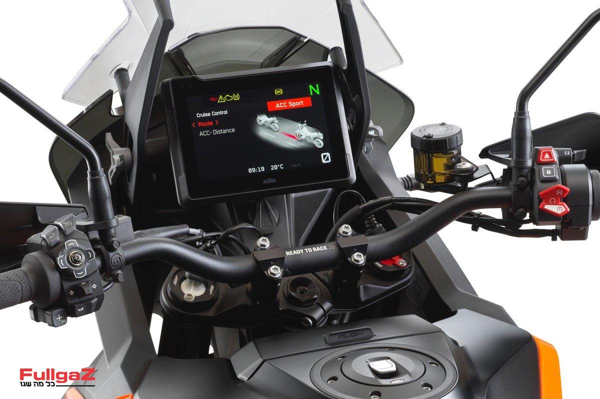 KTM-1290-SUPER-ADVENTURE-S-2021-01