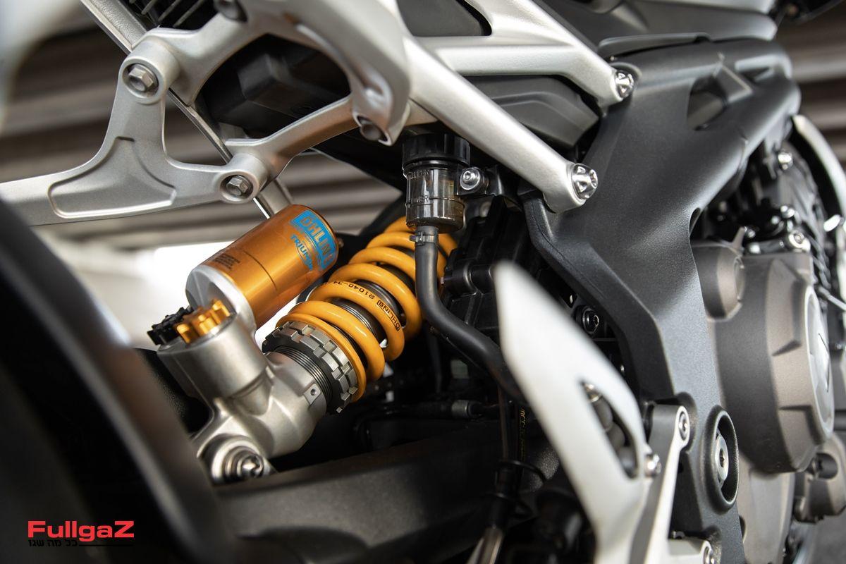 Triumph-Speed-Triple-1200-RS-2021-023
