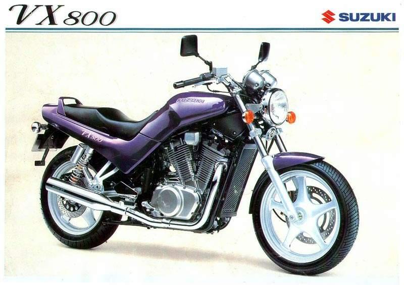 בכרזה הרשמית של סוזוקי ל-VN800 שנת 1990