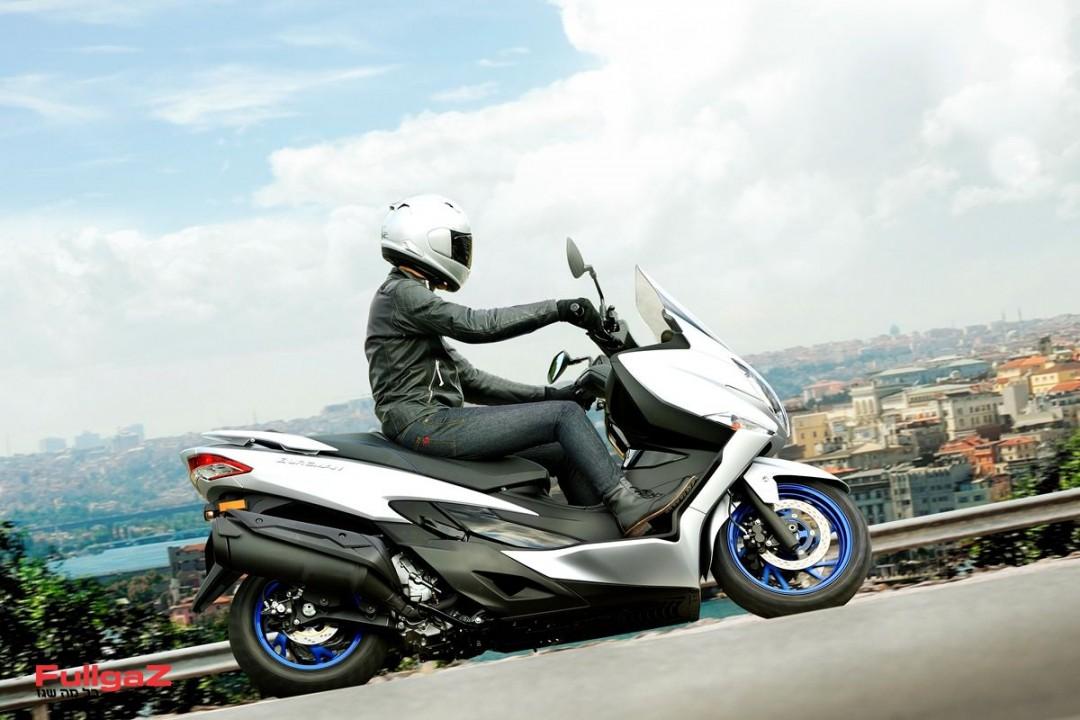 Suzuki-Burgman-400-2021-001