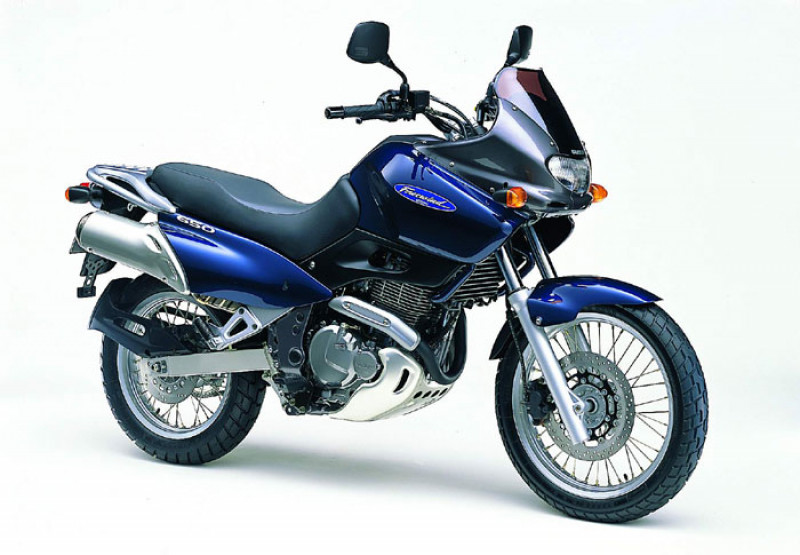 Suzuki-XF650-Freewind (2)