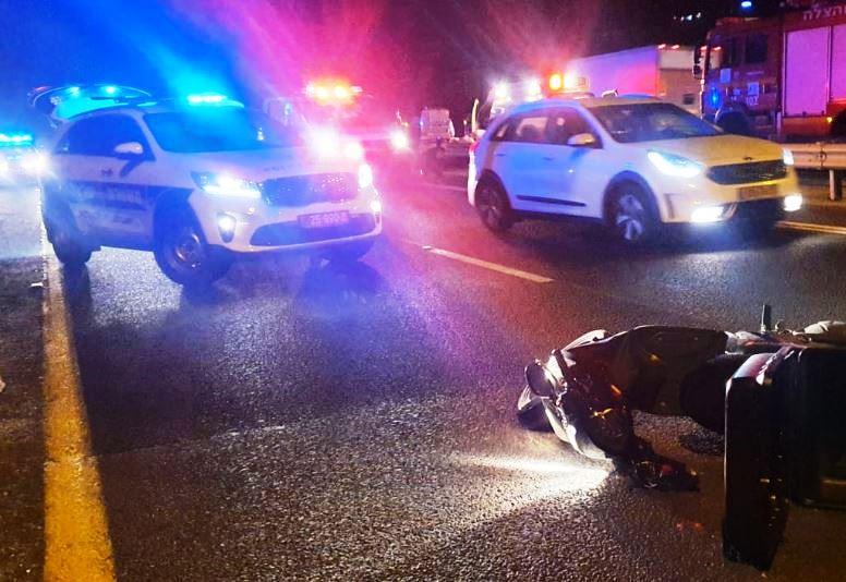 זירת התאונה בכביש 4 שבה נהרג הרוכב בן ה-21