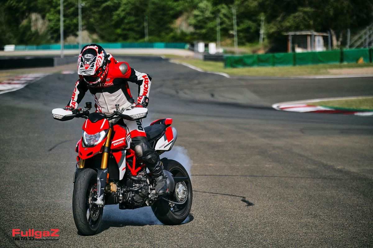 Ducati_Hypermotard_950_SP _32__UC287649_Mid