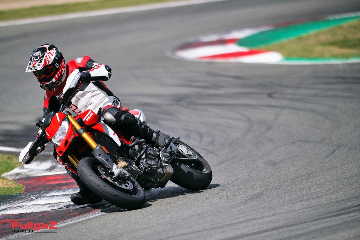 Ducati_Hypermotard_950_SP _48__UC287644_Mid