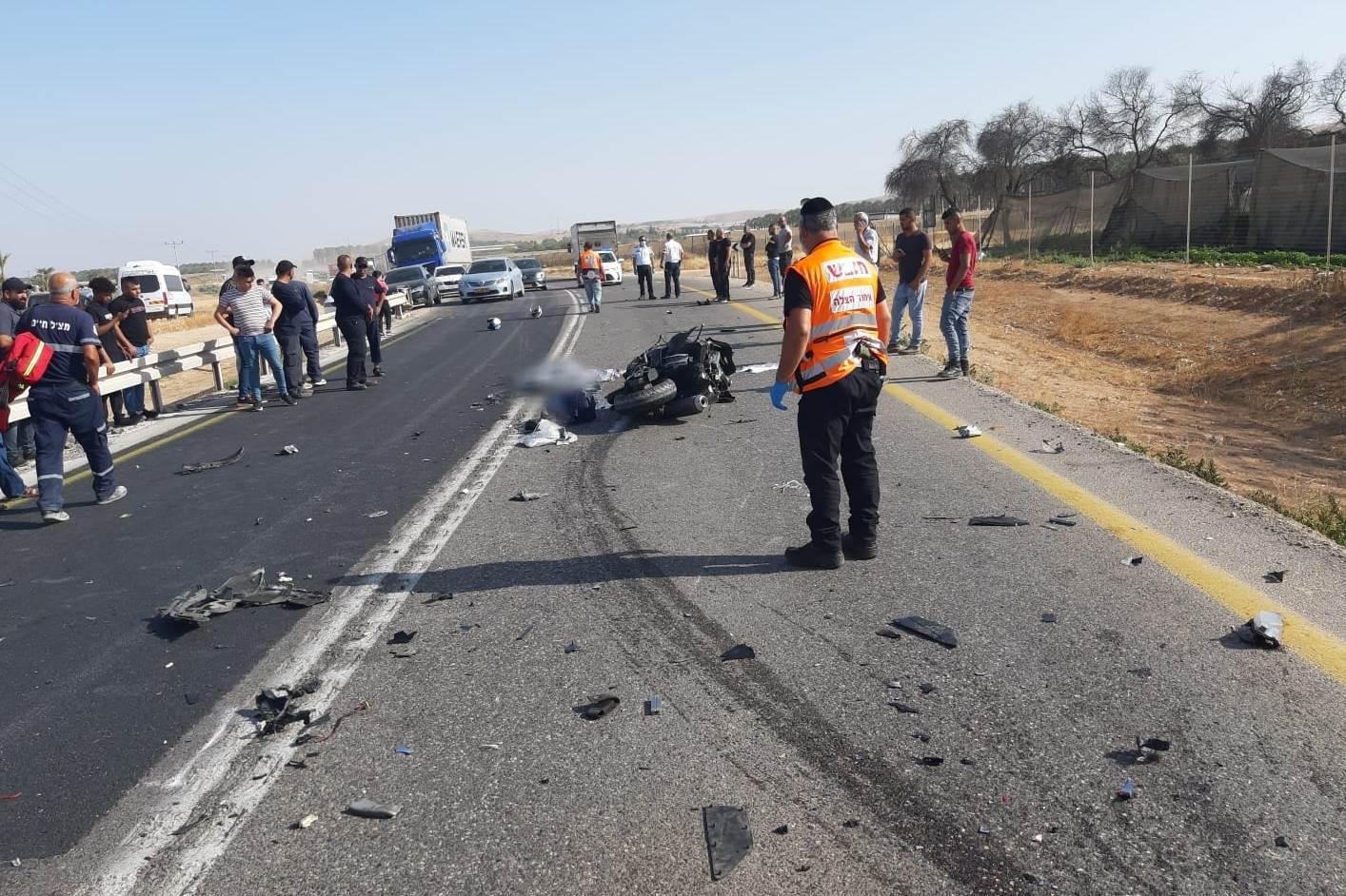 זירת התאונה שבה נהרג הרוכב בן ה-25 בכביש 90