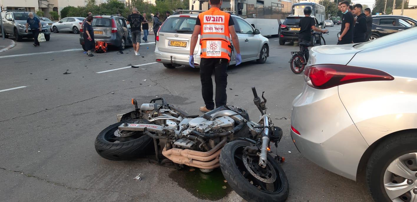 זירת התאונה באור-עקיבא שבה נהרג הרוכב בן ה-29