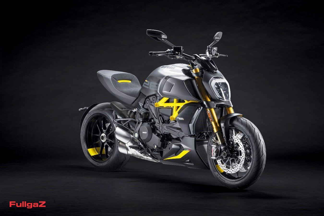 MY22_Ducati_Diavel_1260_S_01 _4__UC293430_Mid