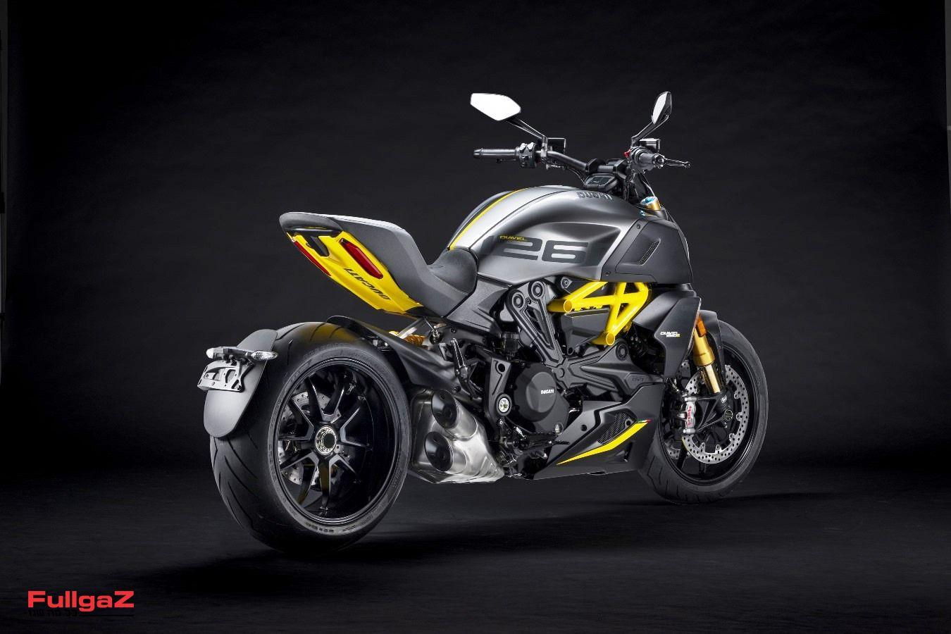 MY22_Ducati_Diavel_1260_S_01 _5__UC293433_Mid