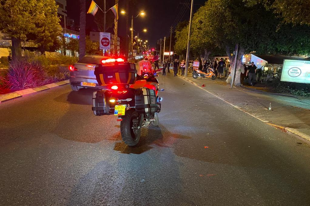 זירת התאונה בדרך רמתיים בהוד השרון שבה נהרגה הרוכבת בת ה-18