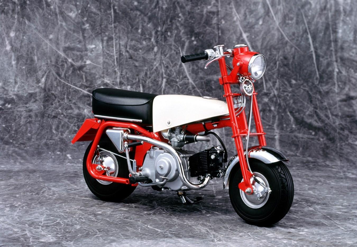 הדגם הראשון - Z100 ב-1961