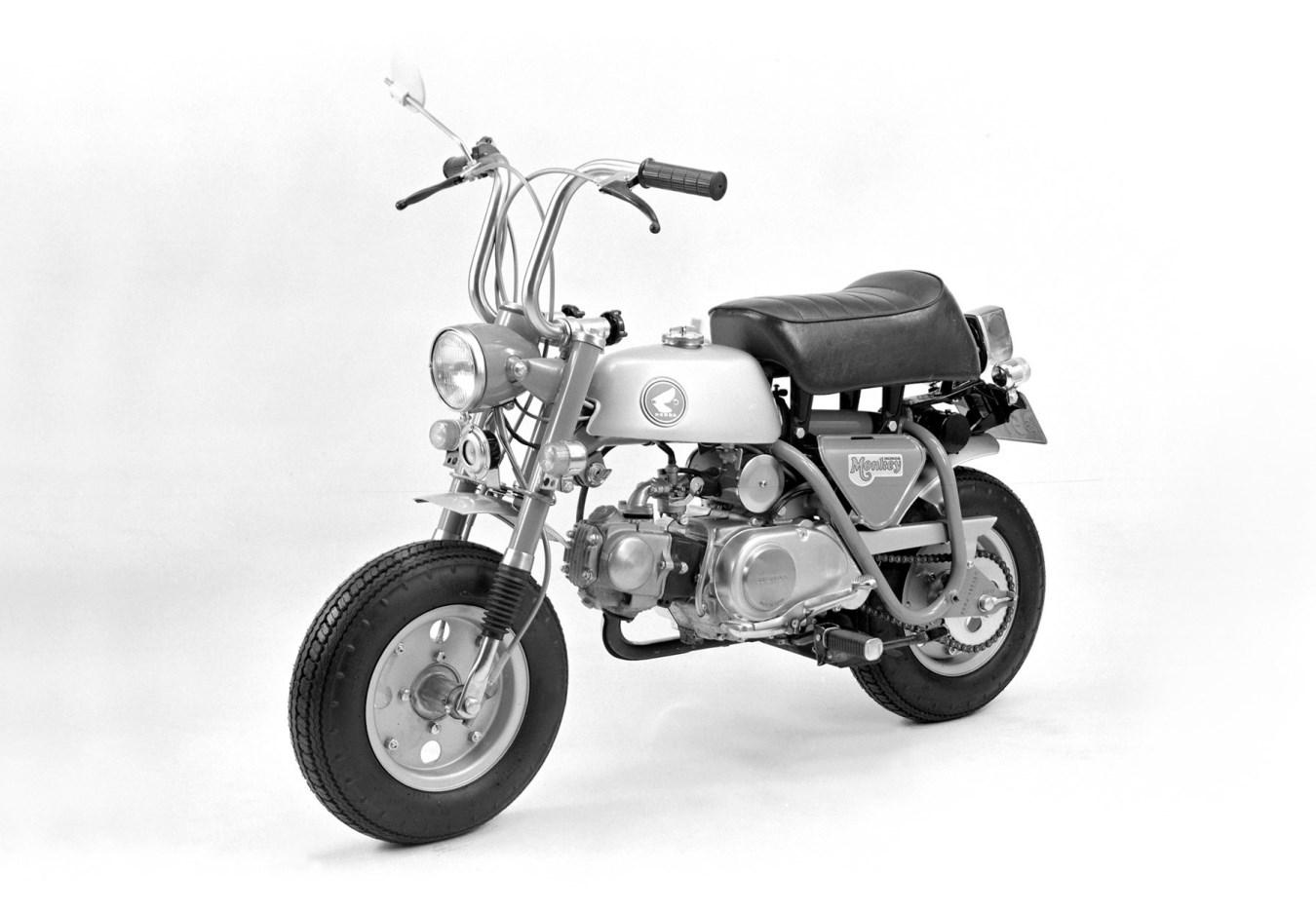 """1969 - ה-Z50A, עם גלגלי """"8, מזלג טלסקופי ואגזוז נמוך"""