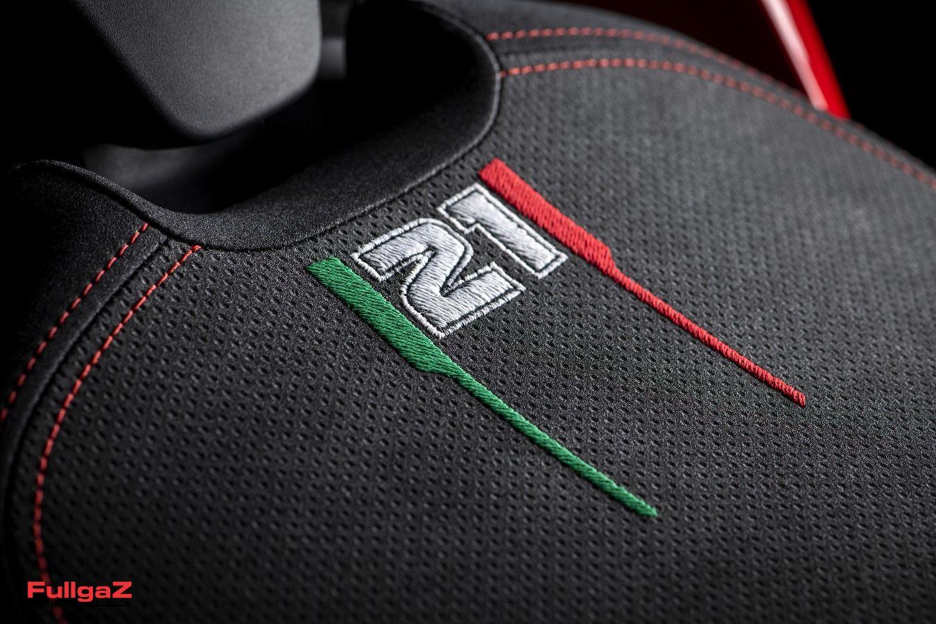 Ducati-Panigale-V2-Bayliss-007