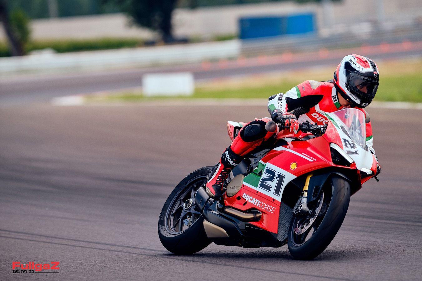 Ducati-Panigale-V2-Bayliss-008