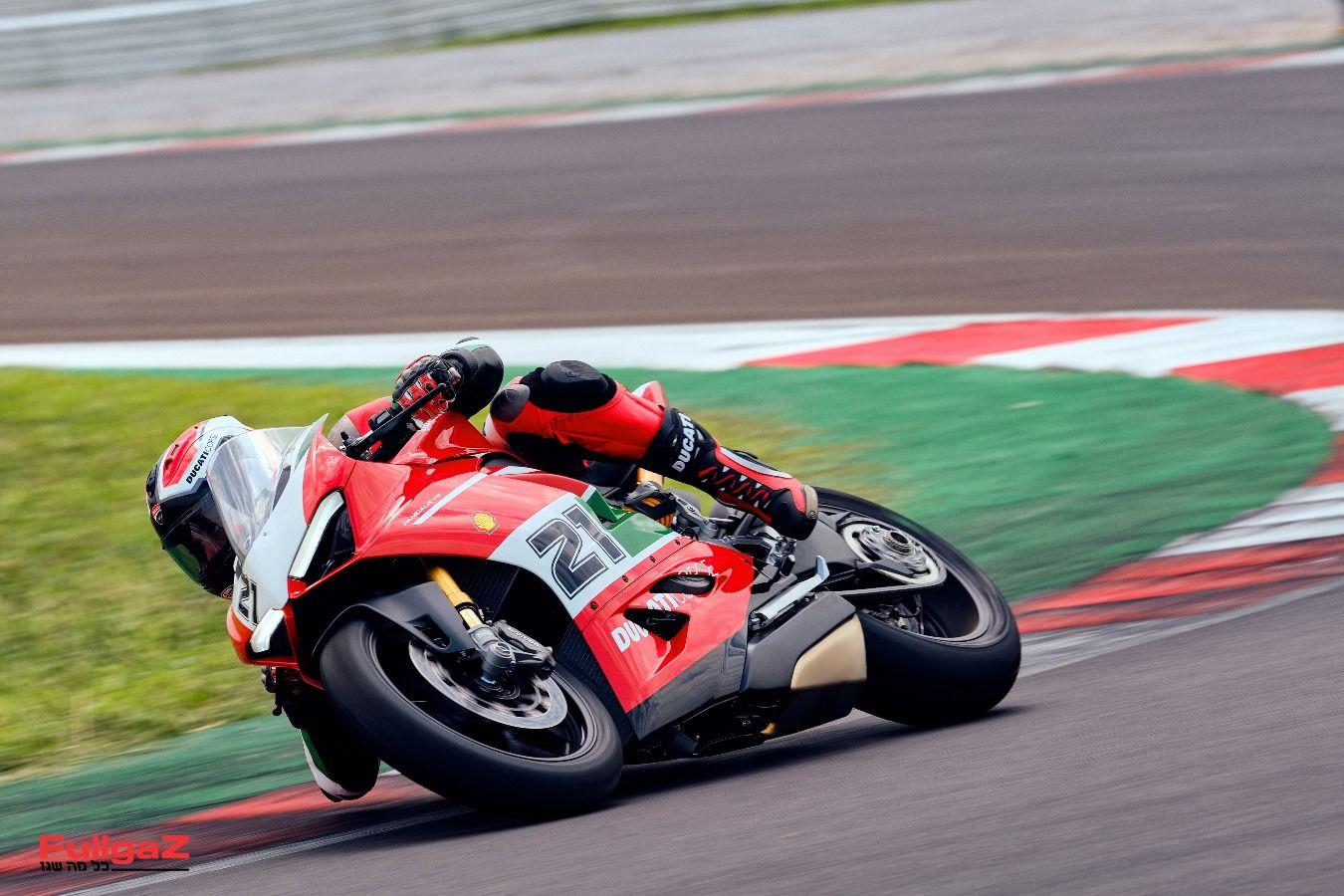 Ducati-Panigale-V2-Bayliss-009