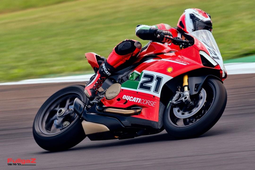 Ducati-Panigale-V2-Bayliss-012