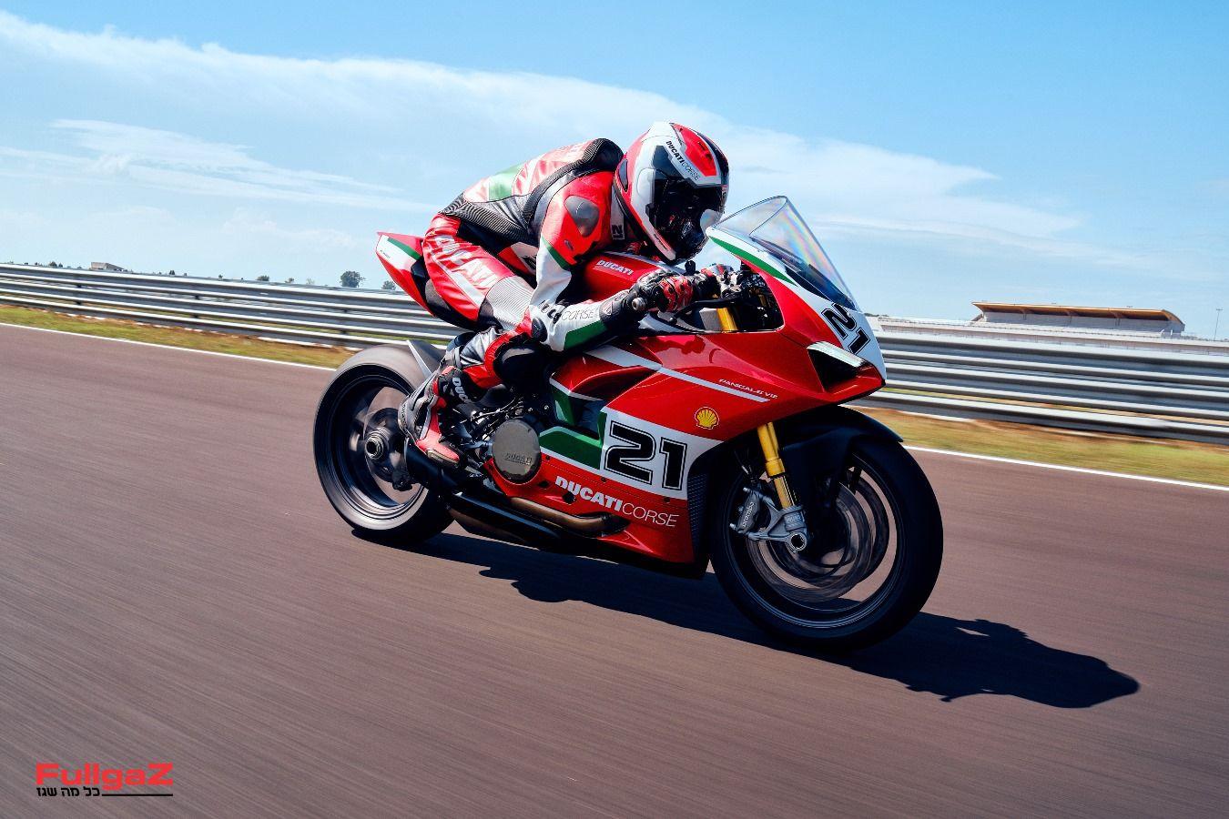 Ducati-Panigale-V2-Bayliss-016