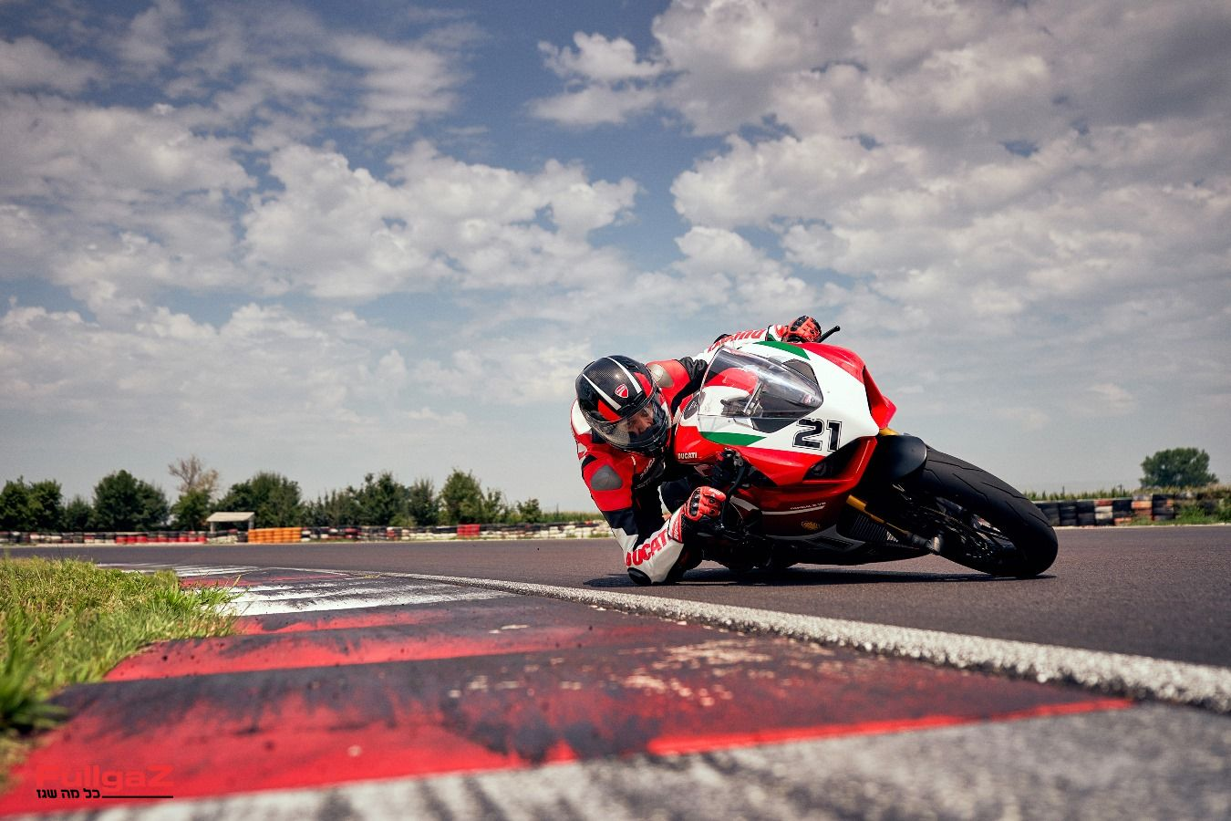 Ducati-Panigale-V2-Bayliss-019