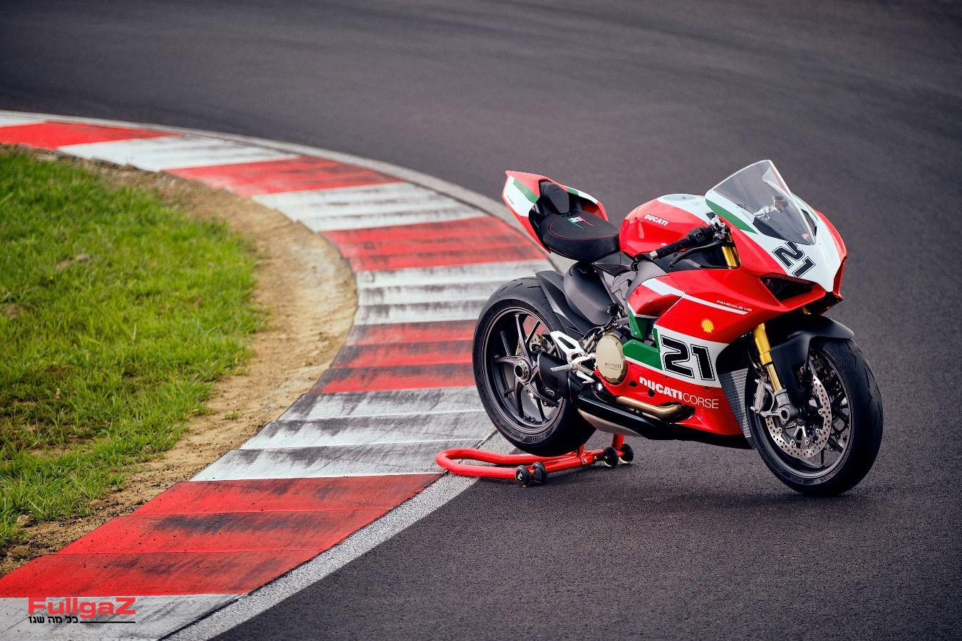 Ducati-Panigale-V2-Bayliss-024