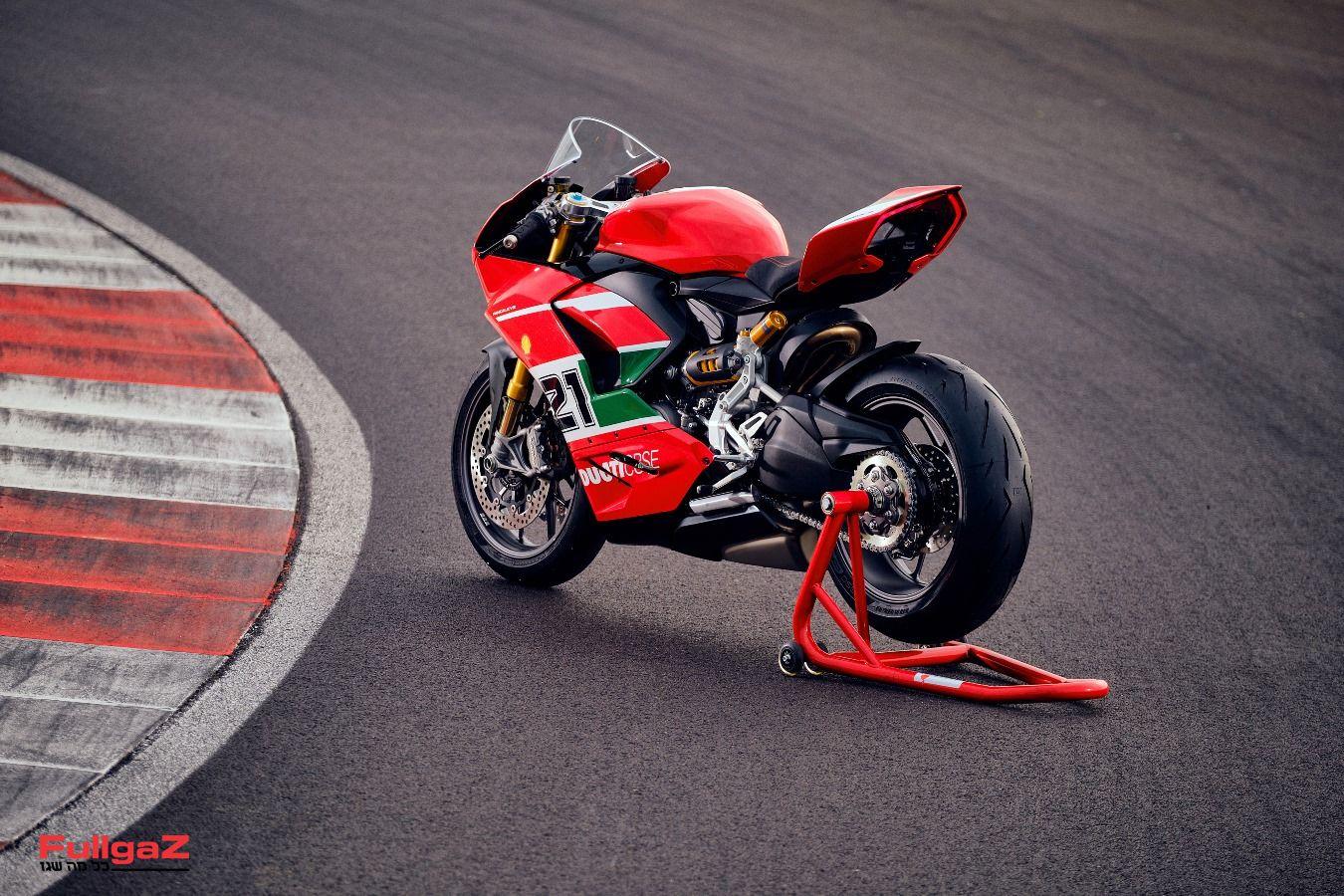 Ducati-Panigale-V2-Bayliss-025
