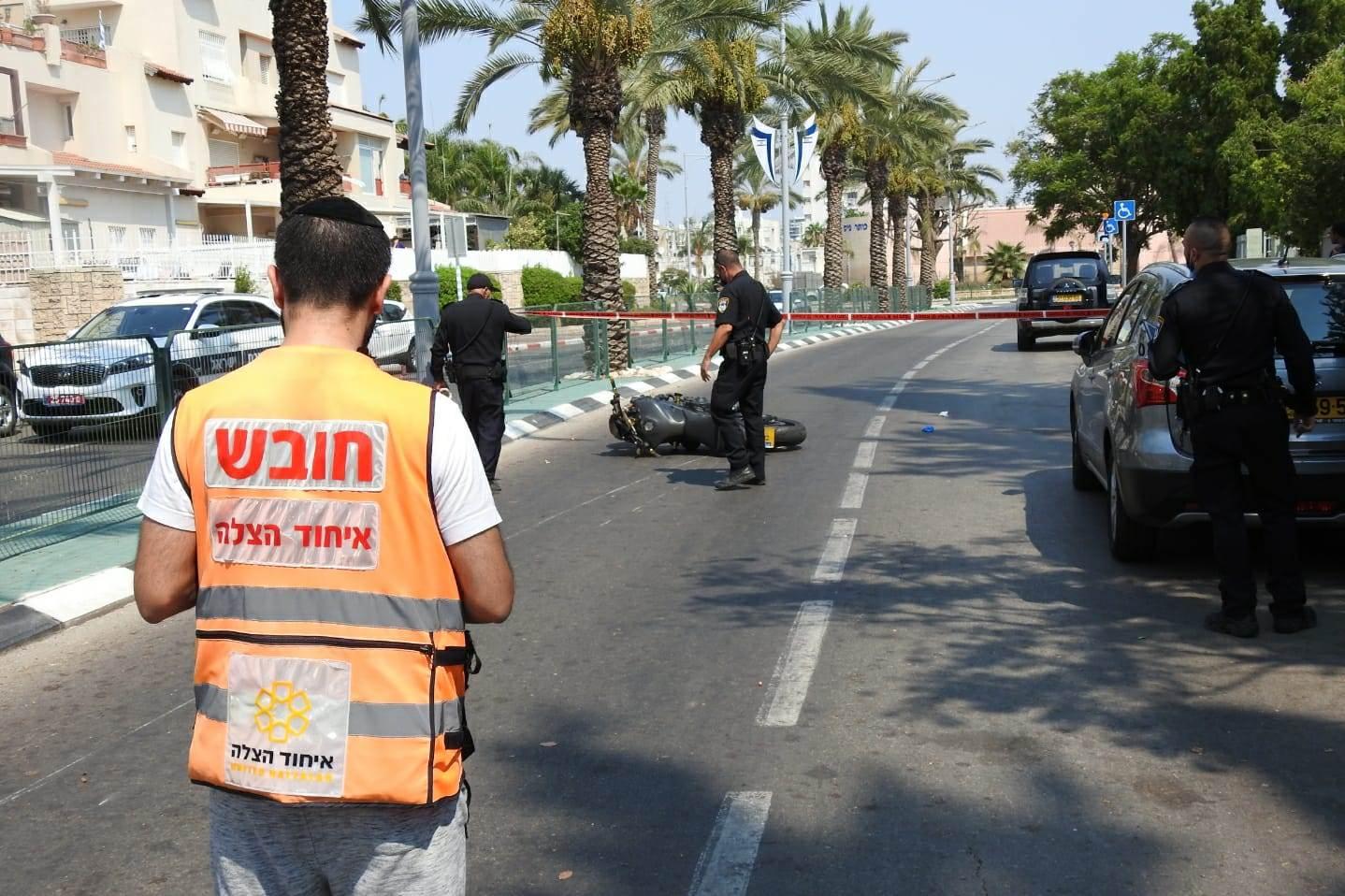 זירת התאונה באור יהודה שבה נהרג הרוכב בן ה-30