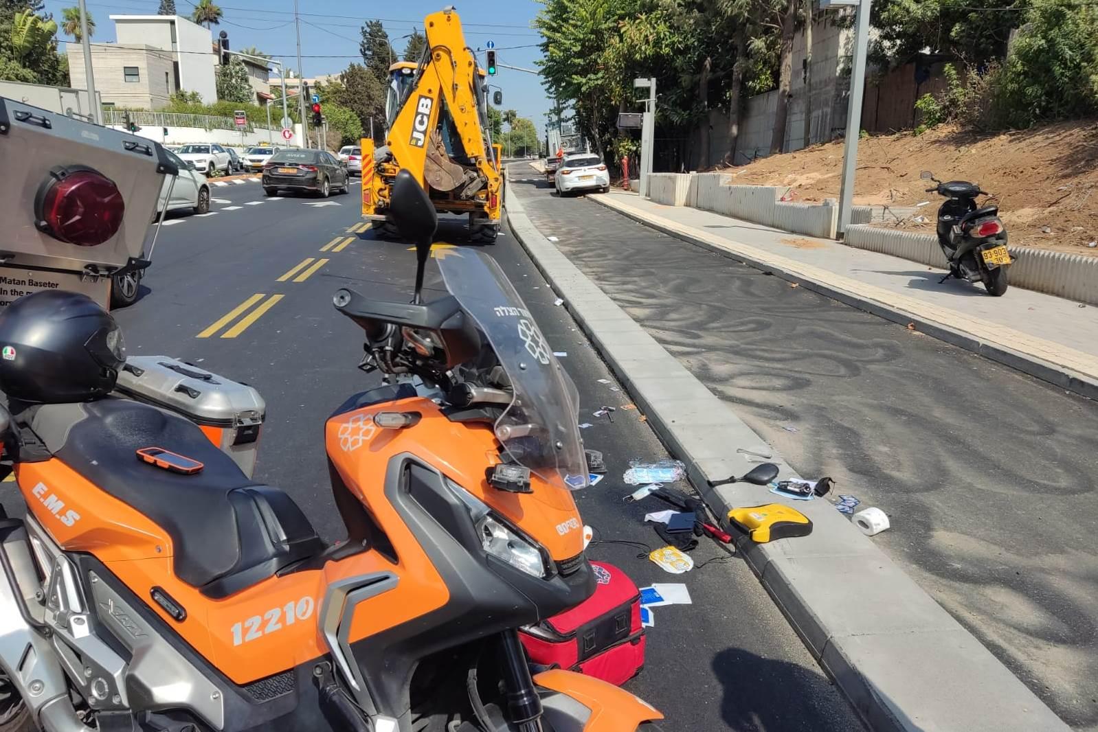 """זירת התאונה ברחוב קק""""ל בתל-אביב שבה נהרג הרוכב בן ה-30"""