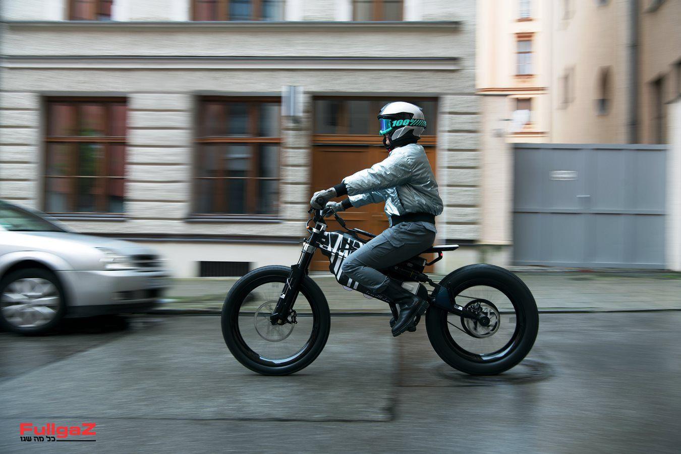 BMW-AMBY-005