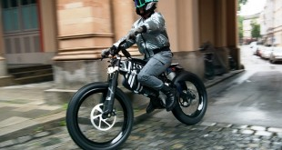 BMW-AMBY-010