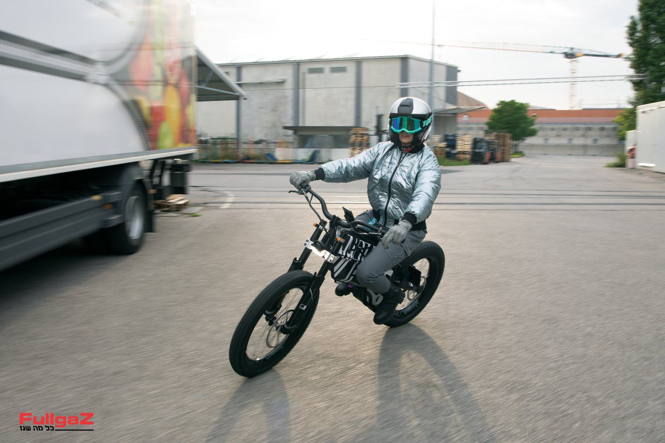 BMW-AMBY-013