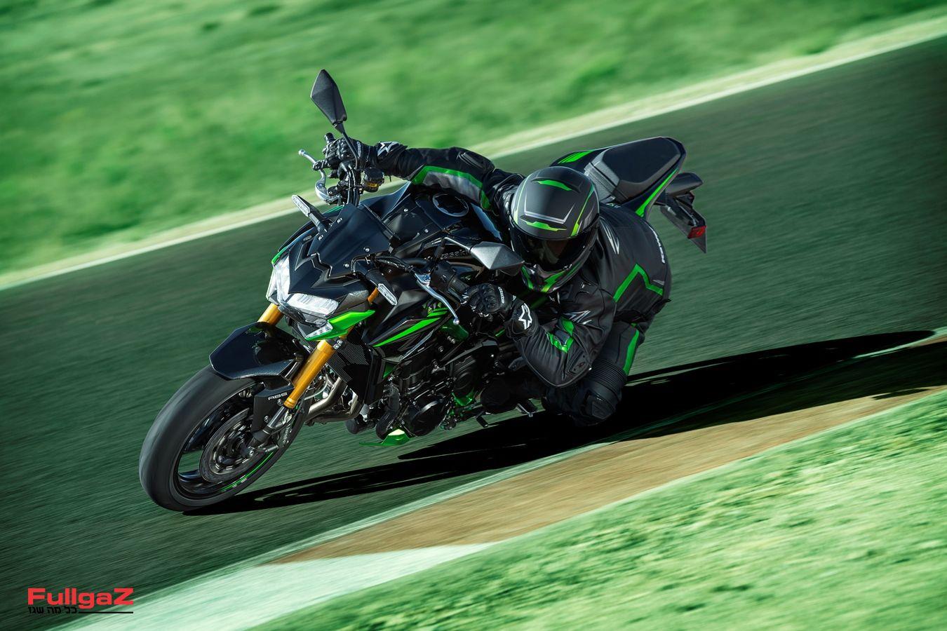 Kawasaki-Z900SE-002