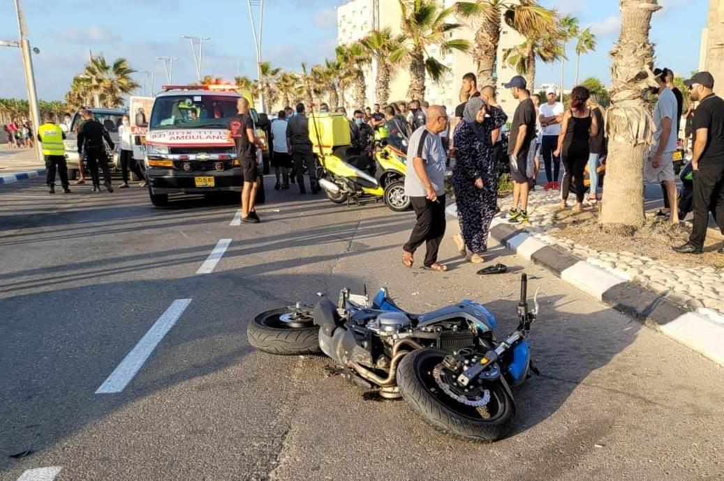 זירת התאונה בעכו שבה נהרג הרוכב בן ה-21