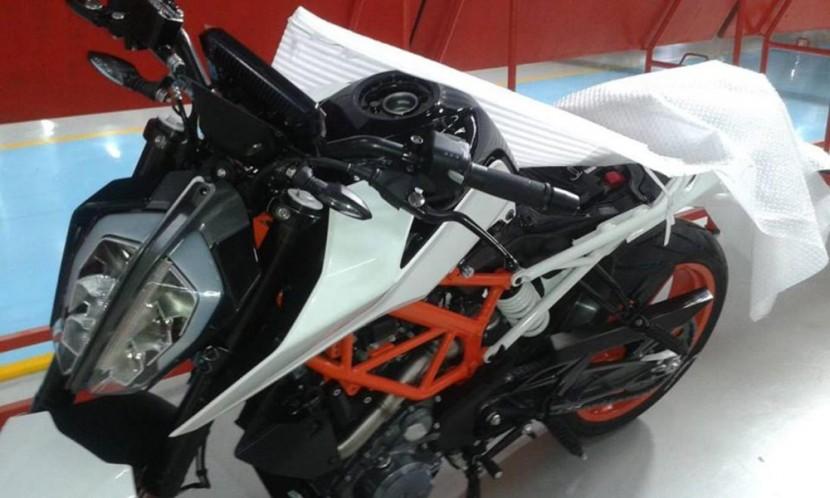 KTM-DUKE-390-17