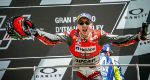 MotoGP-2019-Chairs-007