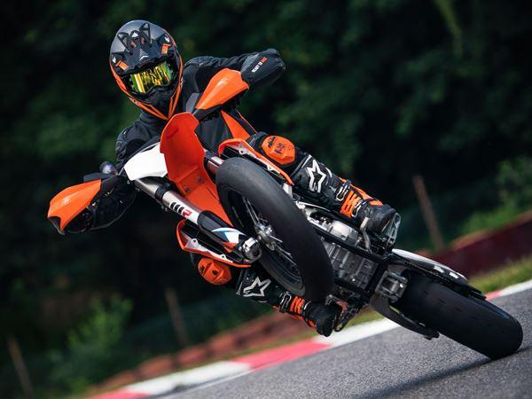 KTM 450 SMR 2021 Title
