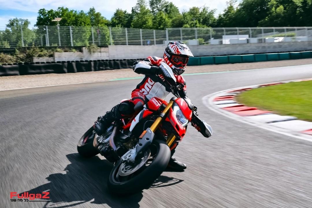 Ducati_Hypermotard_950_SP _25__UC287637_Mid
